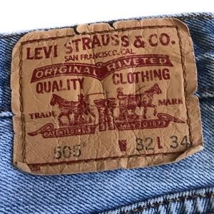 Levi's 505 light wash jeans 32